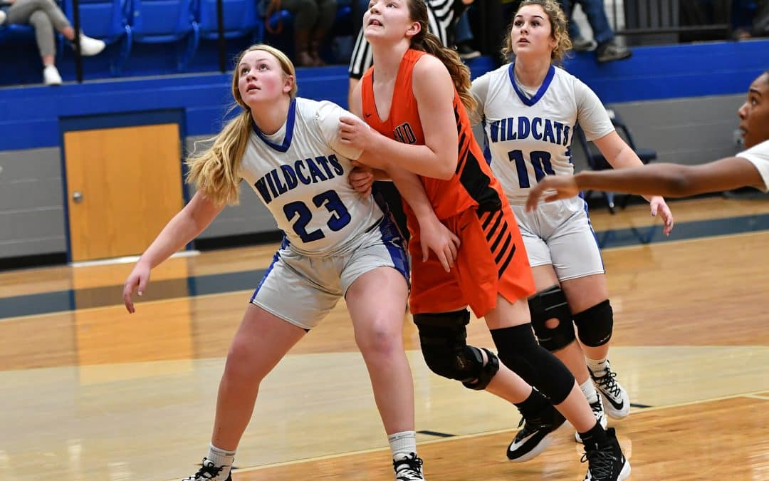 Lady Wildcats Drop Homecoming Contest to Roland