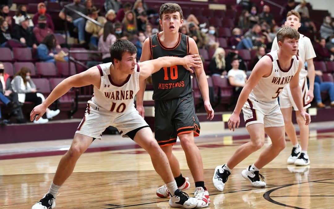 Eagles Nip Mustangs at the Wire